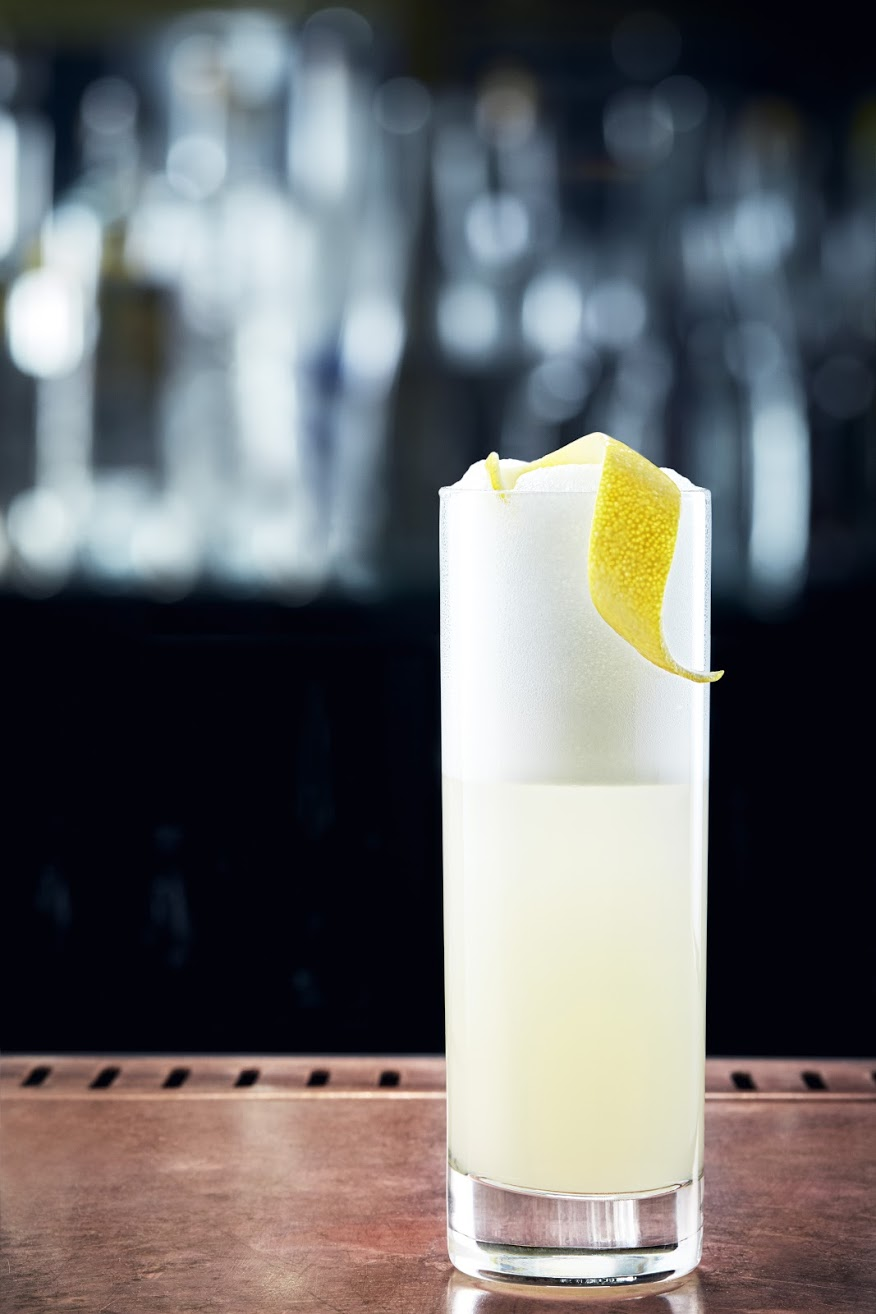 13SCHWEPPES_02_shot_Silver_Gin_Fizz_509_no_bottle_F2_SIMPLIFIED